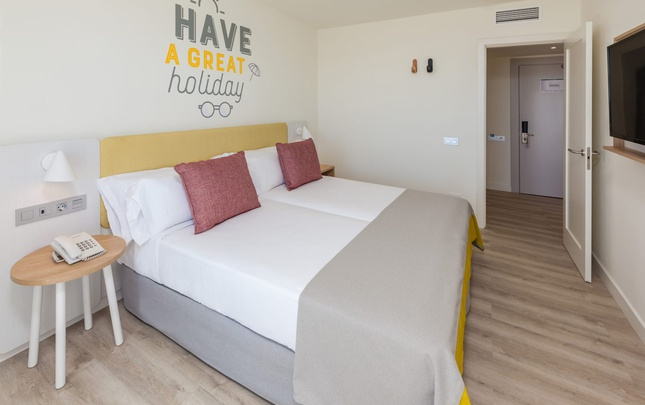 Suite familiar vista abora interclub atlantic by lopesan hotels gran canaria