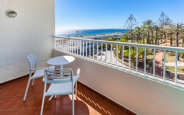 Doble deluxe vista - solo adultos abora interclub atlantic by lopesan hotels gran canaria
